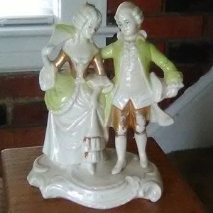 Victorian Couple/gilt gold Figurine